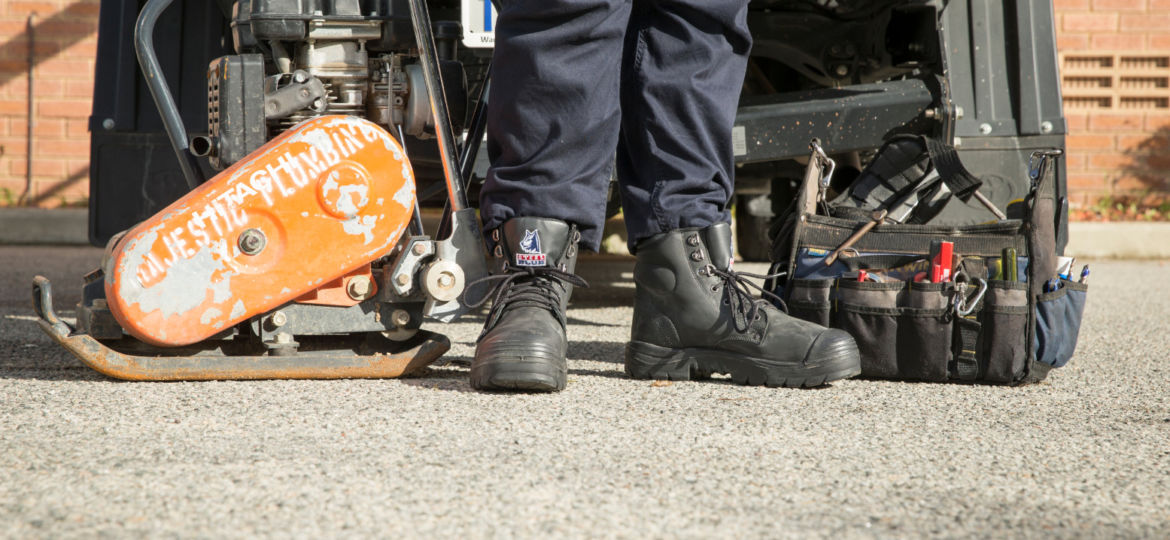 Safety boots graphene